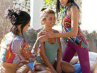 Fresh lesbo teenies