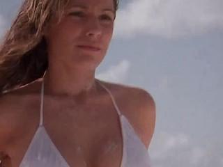 Kelly Brook Hawt Nude Video On The Beach
