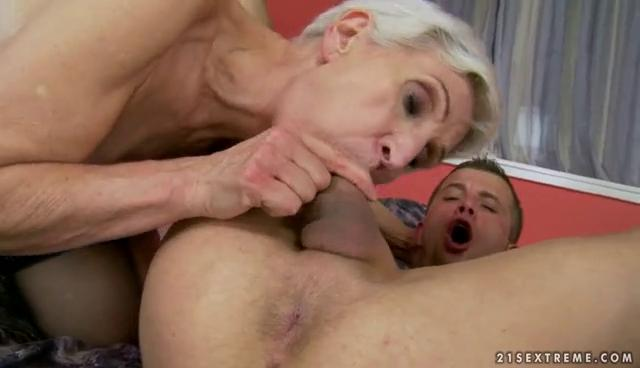 Sexy granny enjoys sex with young dude