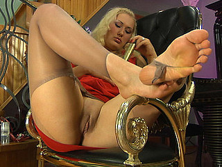 Flossie nylon feet movie scene