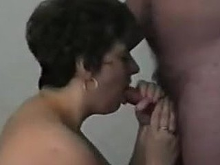 Older lady takes a cumshot