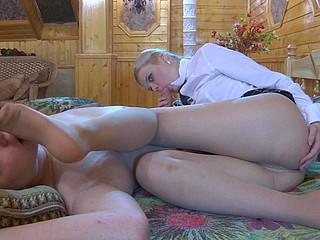 Mary&Jack nifty nylon feet episode