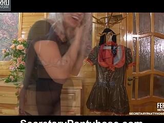 Susanna&Robin uniform hose video
