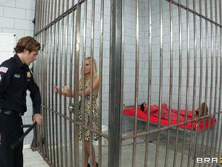horny sluts in prison having pleasure