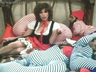 Slutty Retro Sweetheart Anne Gaybis Shows It All In a Sexy Musical Scene