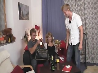 Two allies bonks wicked mom