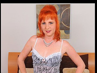 Brilliant red haired mother i'd like to fuck tortures her curly slit with a sex-toy