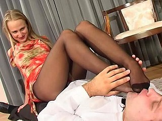 Florence&Lesley perverted nylon feet movie