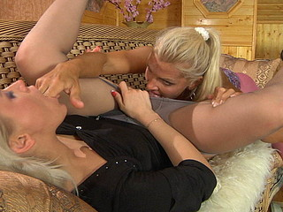 Susanna&Hannah naughty pantyhose movie