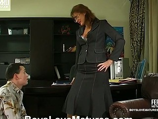 Bridget&Connor red sexy mature episode