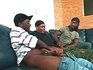 niggaz loving on the sofa