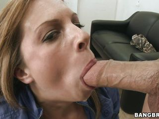 beautiful milf ashlee engulfing and fucking a big schlong