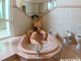 Bath dilettante