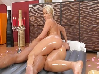 Slippery massage babe screwed