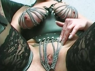 Milf With Percing Fur pie
