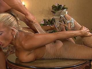 Hannah&Benjamin kinky pantyhose sex clip