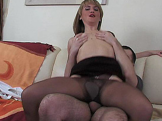 Martha&Monty pantyhose mama in act