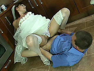 Nora&Bobbie red hot nylon clip