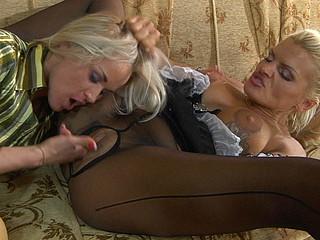 Susanna&Hannah wicked pantyhose clip