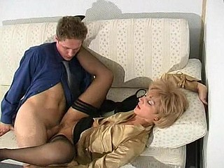 Esther&Gilbert perverted mamma on video scene