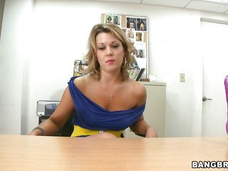 sexy body milf swallowing a large dildo