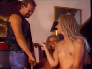 Hot vintage three-some on the piano