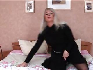 HORNY Breasty Hawt MATURE GANGBANGED  -B$R