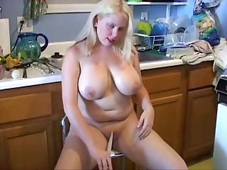 Housewife kitchen fun
