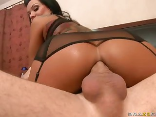 Charming MILF Sienna West enjoys ass fucking