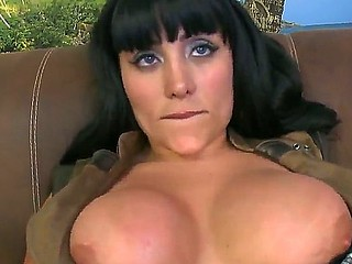 Hot Sandra working with her beloved sex toy and doing an fantastic blowjob on camera