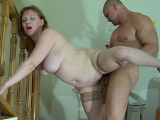 Viola&Nicholas seductive mom on movie