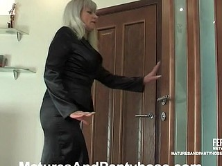 Jessica&Jerome mature pantyhose episode