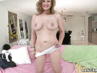 white blonde milf getting nailed