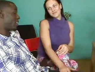 Flirty dark brown whore sucking monster dark 10-Pounder in front of bf