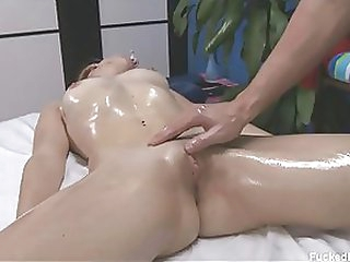 Pretty Blond Sweetheart Gets Overspread in Body Oil and Her Clitoris Massaged