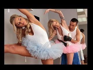 Petite Dancers