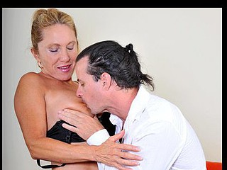Anilos cougar Luna receives licked and drilled hardcore